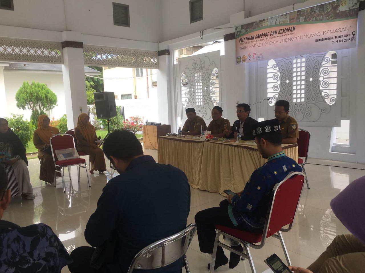Pembukaan acara pelatihan barcode dan pengemasan di rumoh budaya Kota Banda Aceh